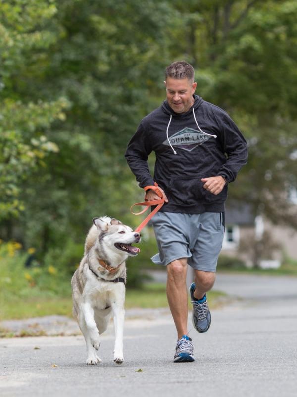 Pete and Kota Running Street (1 of 1)